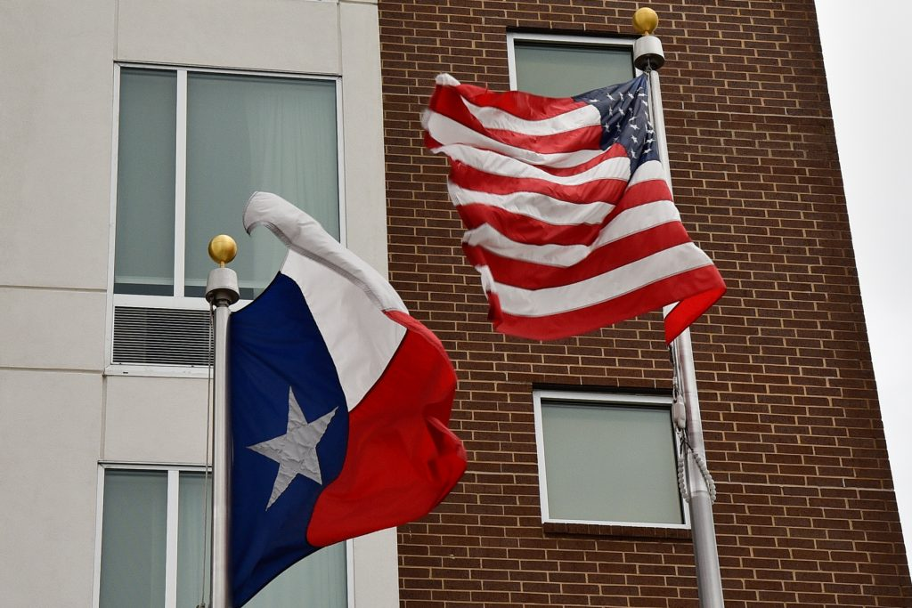 US and Texas state flags